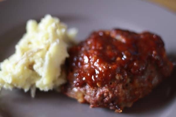 meatloaf, mashed potatoes