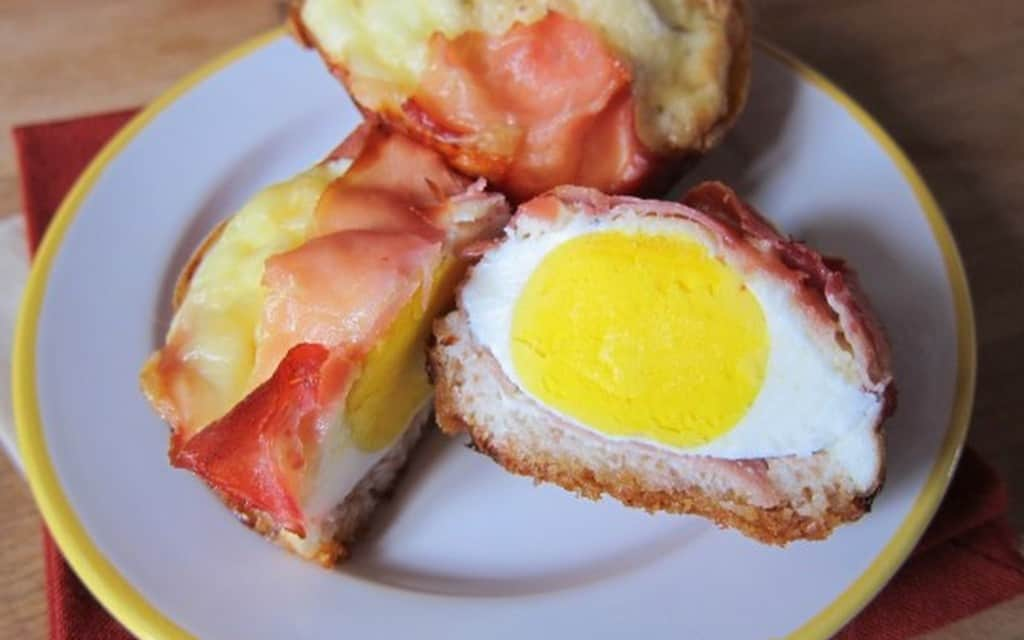 Ham, egg & cheese breakfast cups