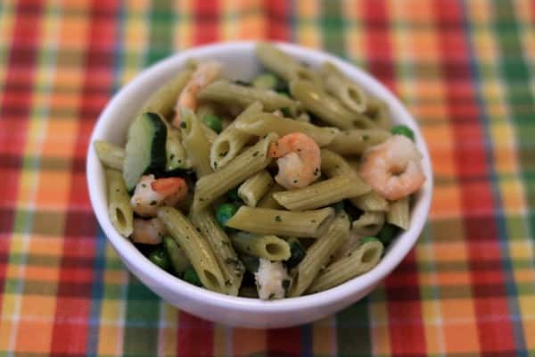 Penne with shrimp and peas (plaid)