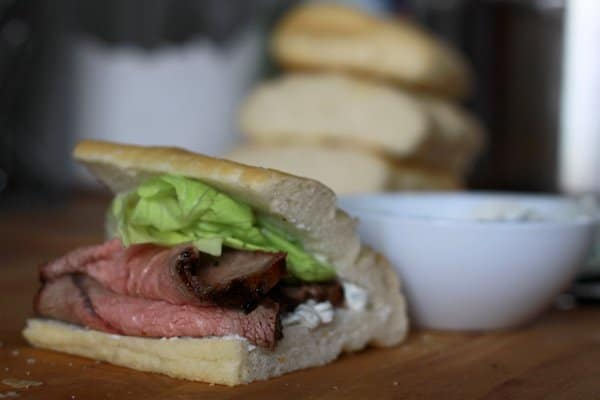 roast beef sandwiches with gorgonzola spread