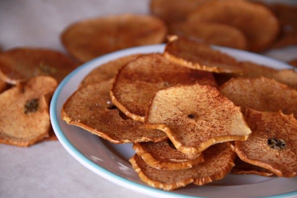 baked apple chips with cinnamon sugar