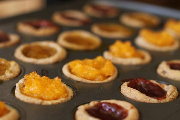 fruit tarts in the pan, foodlets