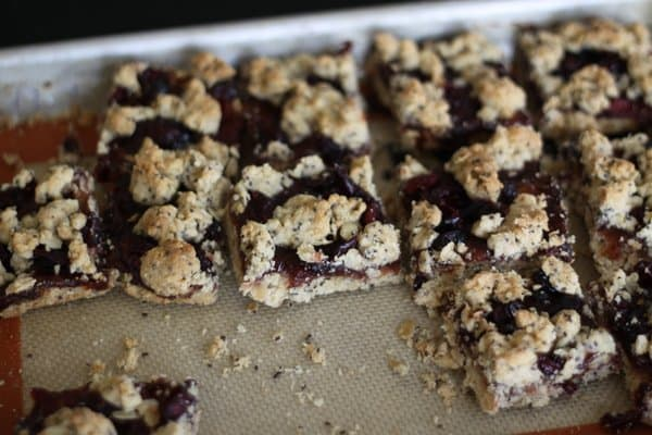 strawberry jam bars with oats