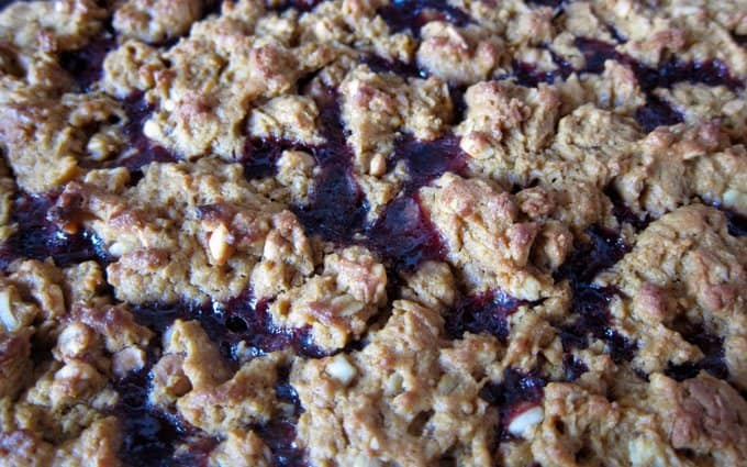 Baked-peanut-butter-and-jelly-bars, foodlets