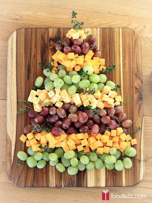 Christmas Tree Grapes & Cheese Platter