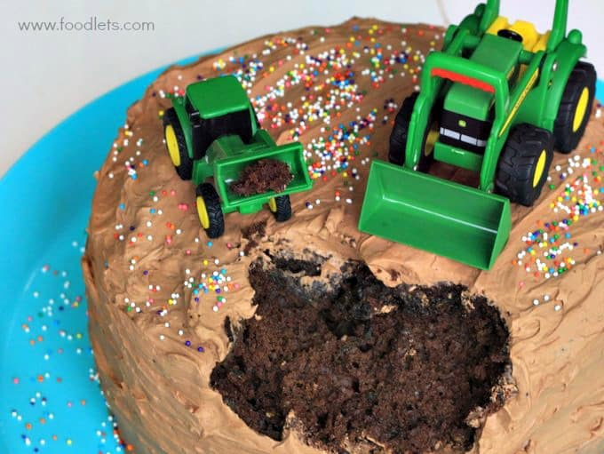 Recipe: 4-Ingredient Chocolate Buttercream Frosting (on a John Deere Tractor Cake)