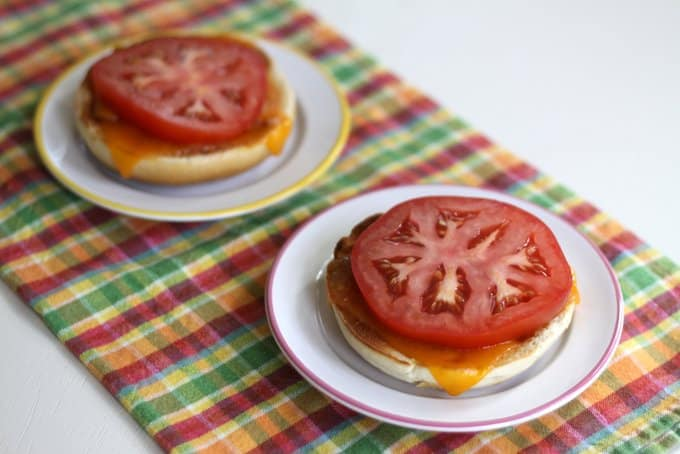 cheesy bagel with tomato diag