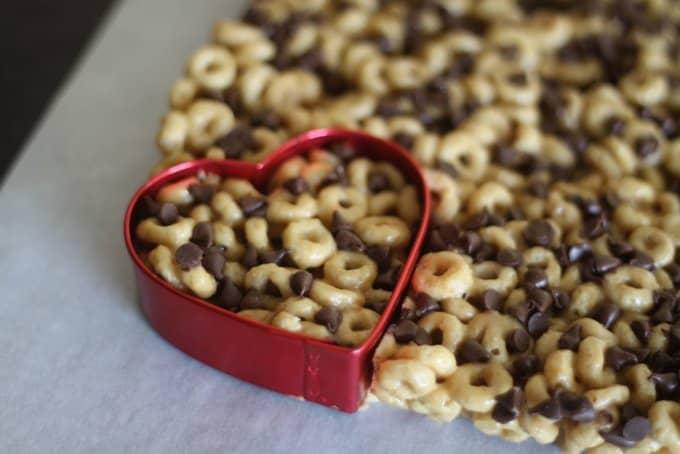 heart shaped cheerios treats