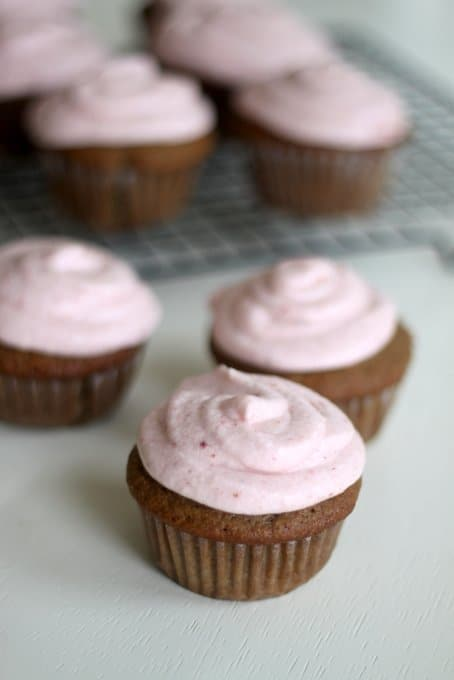 naturally flavored strawberry cupcakes