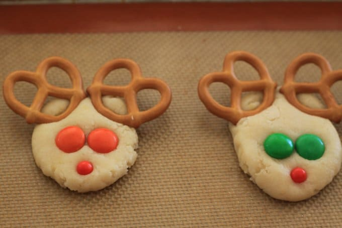 Reindeer sugar cookies ready to bake