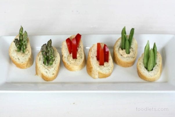 veggies in bread dipping bowls, foodlets 2