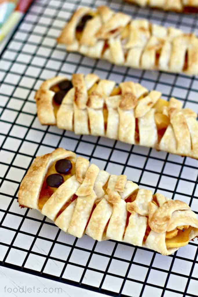 Mummy Fruit Pies for Halloween
