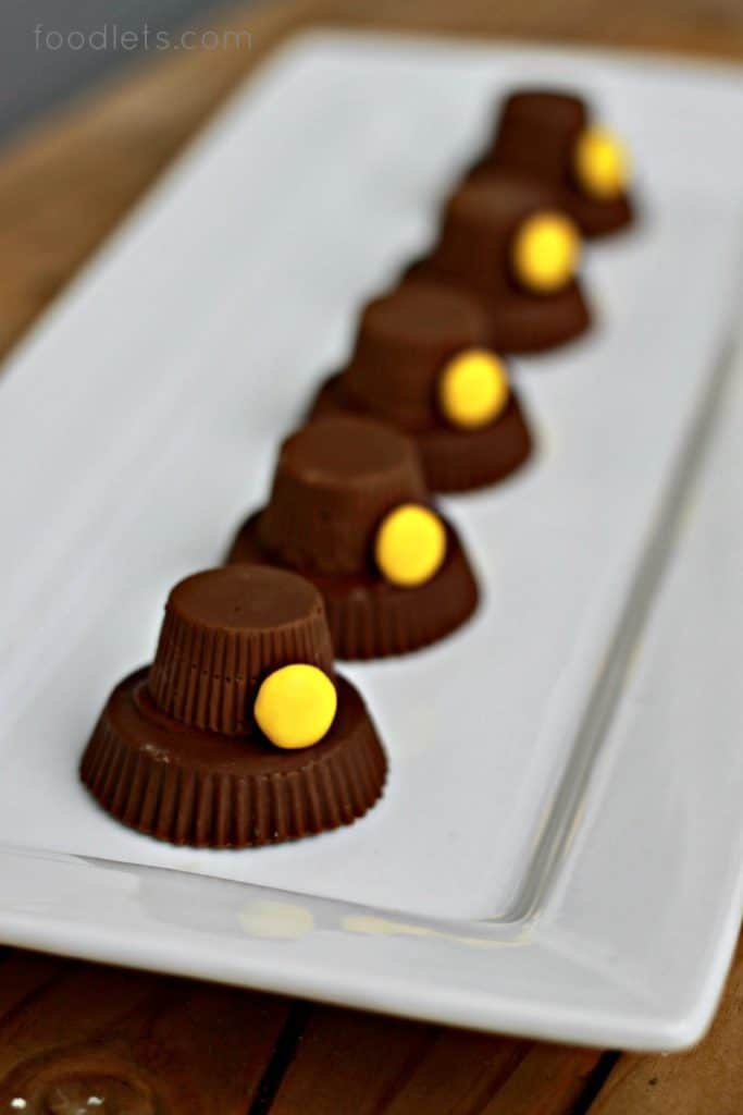 3-Step Chocolate-Peanut Butter Pilgrim Hats for Thanksgiving