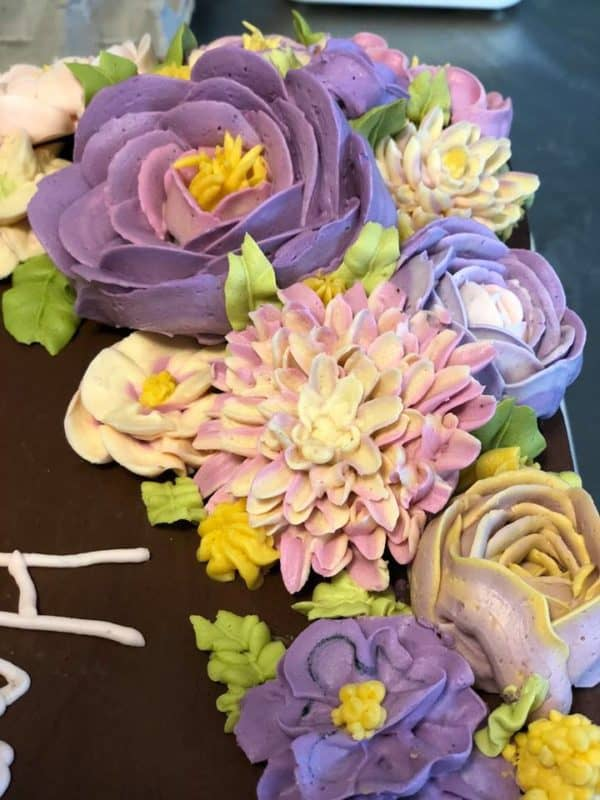 buttercream flowers by Kimberly Mayer